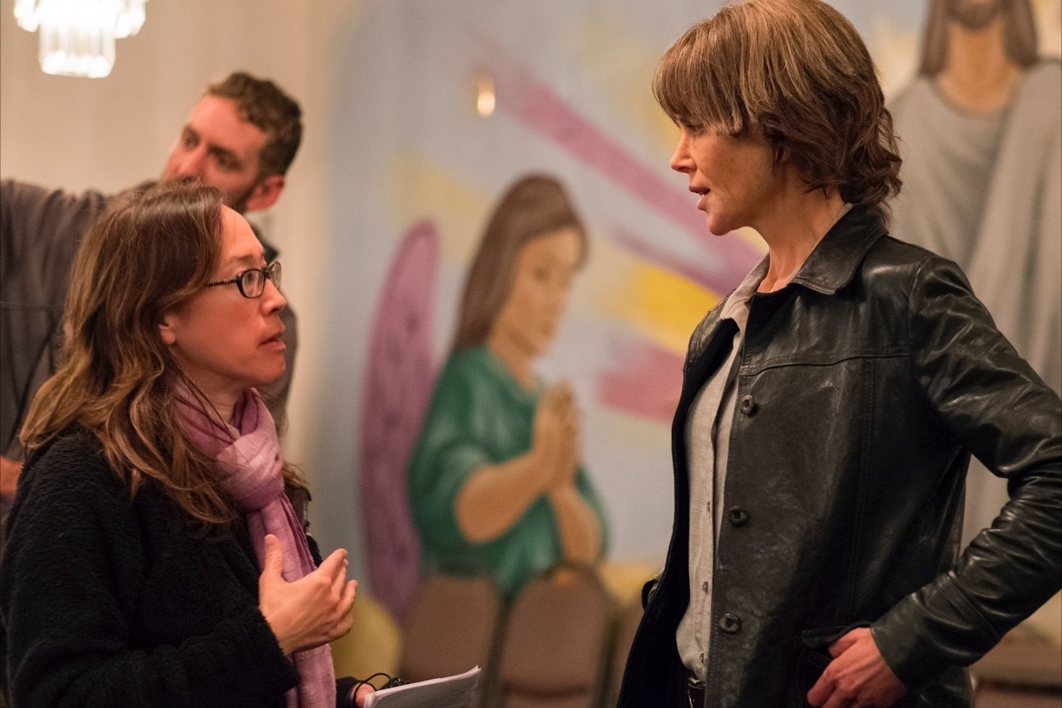 """Director Karyn Kusama, left, and Nicole Kidman consult on the set of """"Destroyer."""" (Courtesy Annapurna Pictures)"""