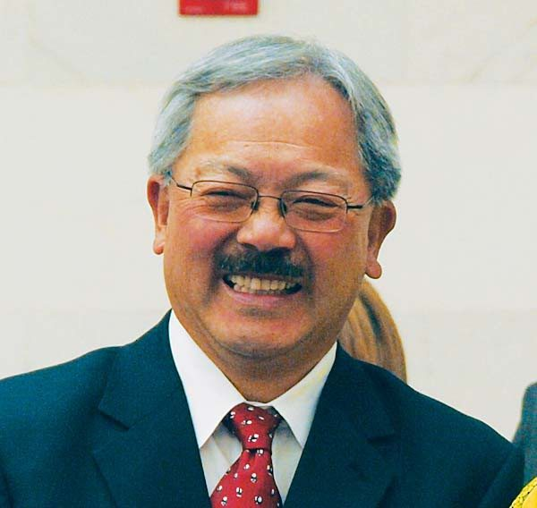 Examiner file photoHolly jolly holidays: Mayor Ed Lee is urging residents to volunteer time or money over Thanksgiving and Christmas.