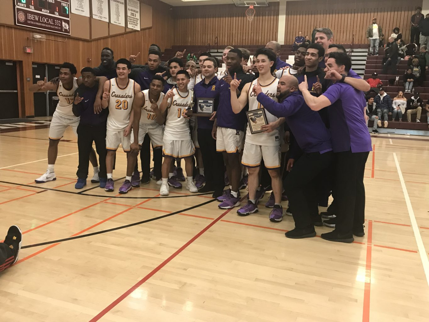 Riordan boys basketball won its section on Saturday. (Ethan Kassel/Special to S.F. Examiner)