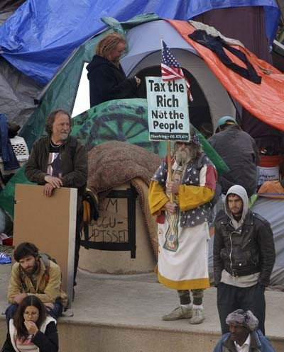 Four Oakland City Council members will call for the immediate removal of the Occupy Oakland encampment today. (AP file photo)Four Oakland City Council members will call for the immediate removal of the Occupy Oakland encampment today. (AP file photo)