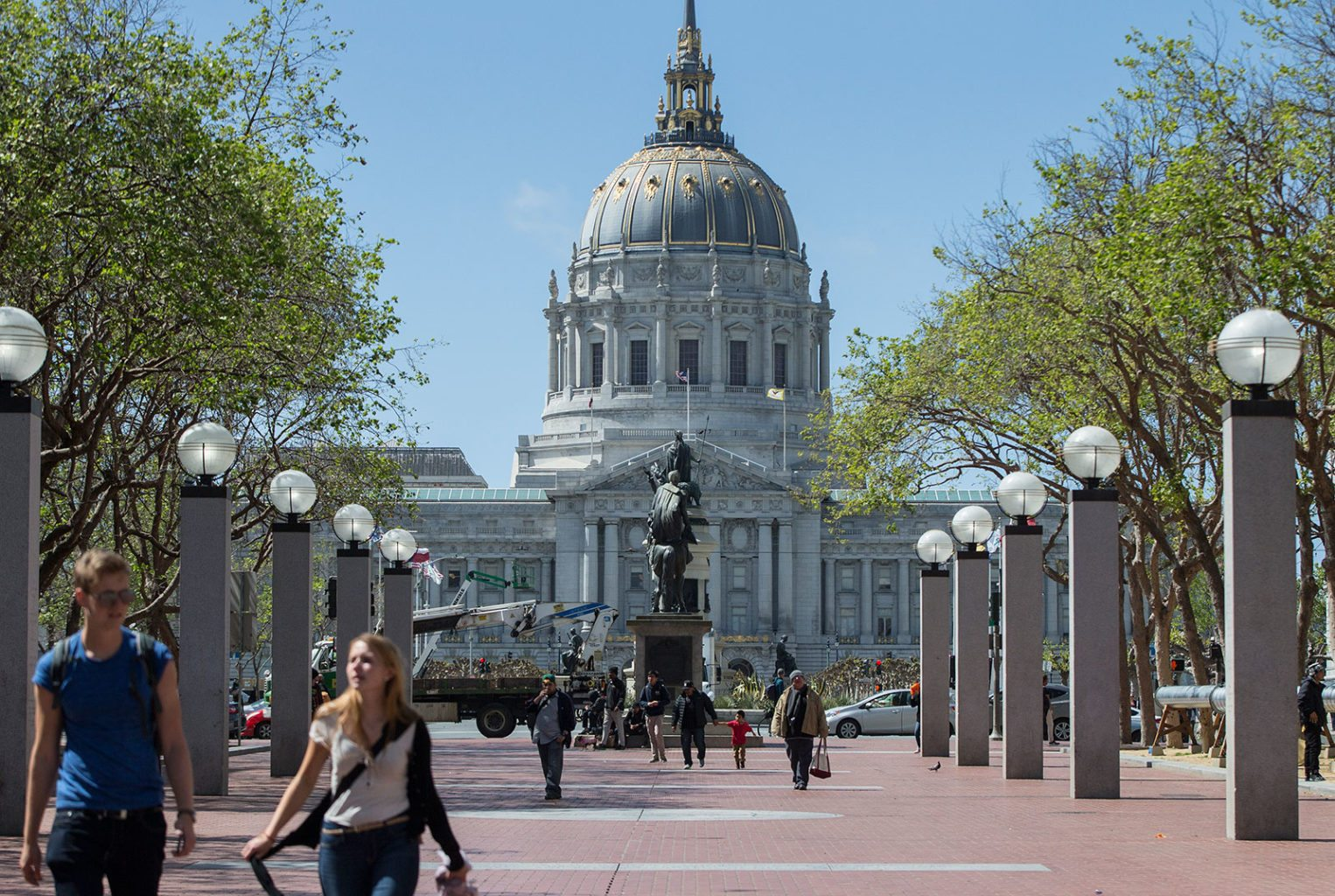 The San Francisco Board of Supevisors unanimously passed new legislation to protect tenants from landlords who abuse owner-move in evictions. (Jessica Christian/S.F. Examiner)
