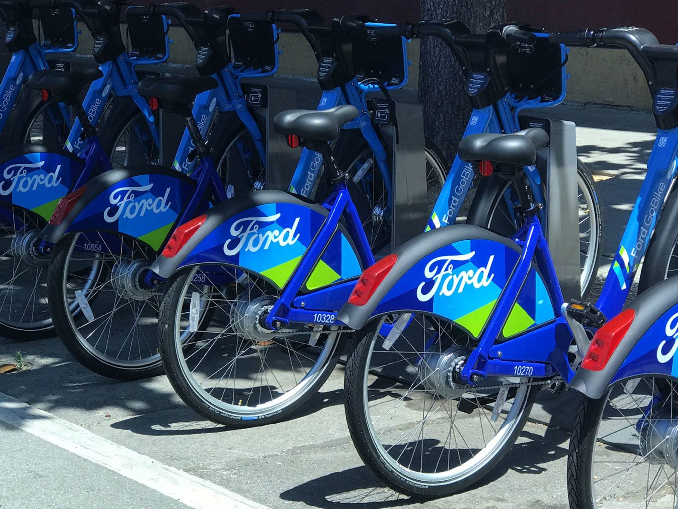 Ford GoBike's exclusivity contract with The City could present problems for Jump, a bikeshare competitor.  (Michael Barba/S.F. Examiner)
