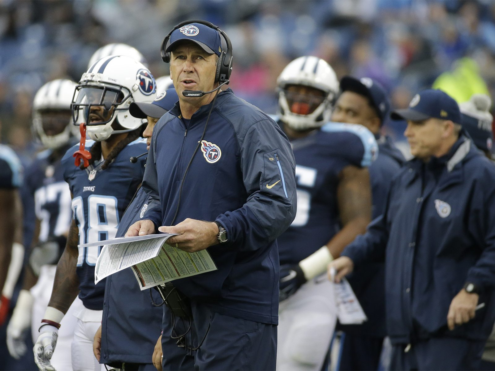 Tennessee Titans interim head coach Mike Mularkey watches from the sideline in the first half of an NFL football game between the Titans and the Oakland Raiders Sunday, Nov. 29, 2015, in Nashville, Tenn. (AP Photo/James Kenney)