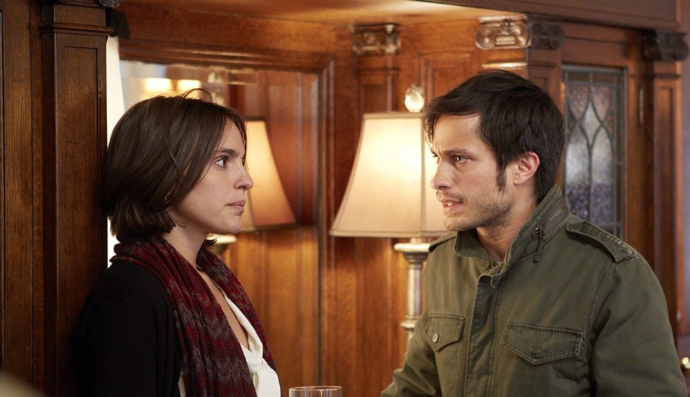 """Veronica Echegui and Gael Garcia Bernal make the most of the material in """"You're Killing Me Susana."""" (Courtesy photo)"""