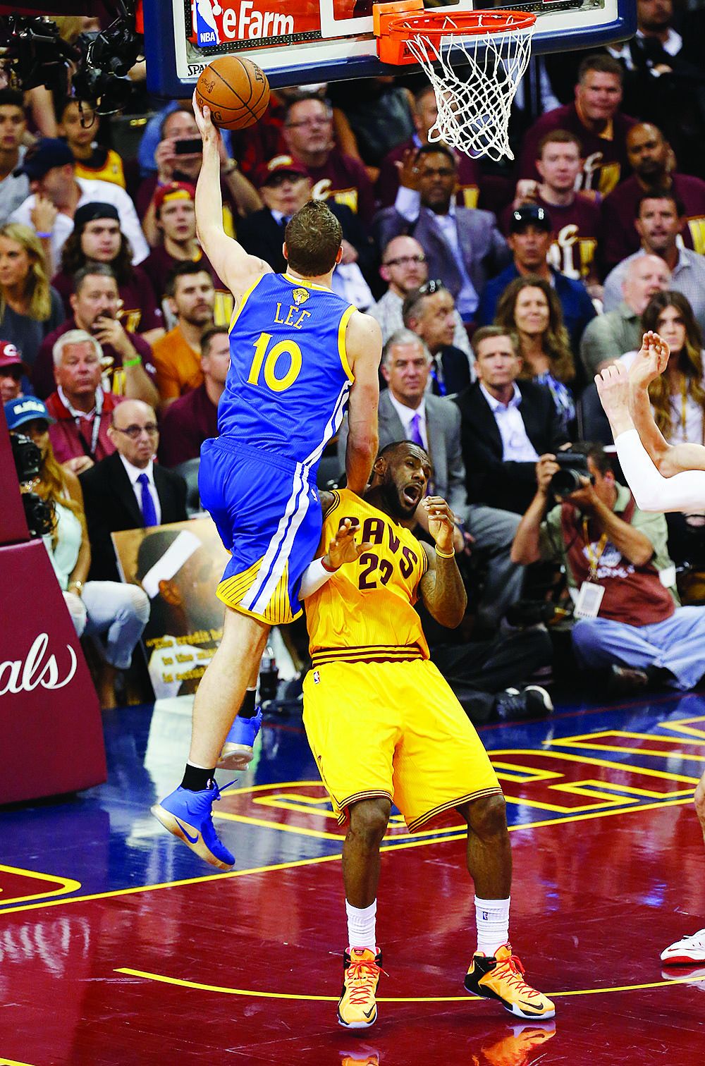 Warriors' David Lee (10), who was benched at the start of the season, will be allowed to seek a new team, according to reports. (AP Photo/Paul Sancya)