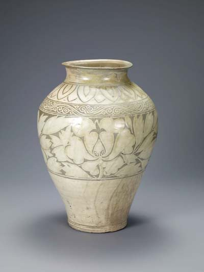 Buncheong ceramics: A jar with peony decoration from the early 15th century is among the Korean works on view. (Courtesy photo)Buncheong ceramics: A jar with peony decoration from the early 15th century is among the Korean works on view. (Courtesy photo)