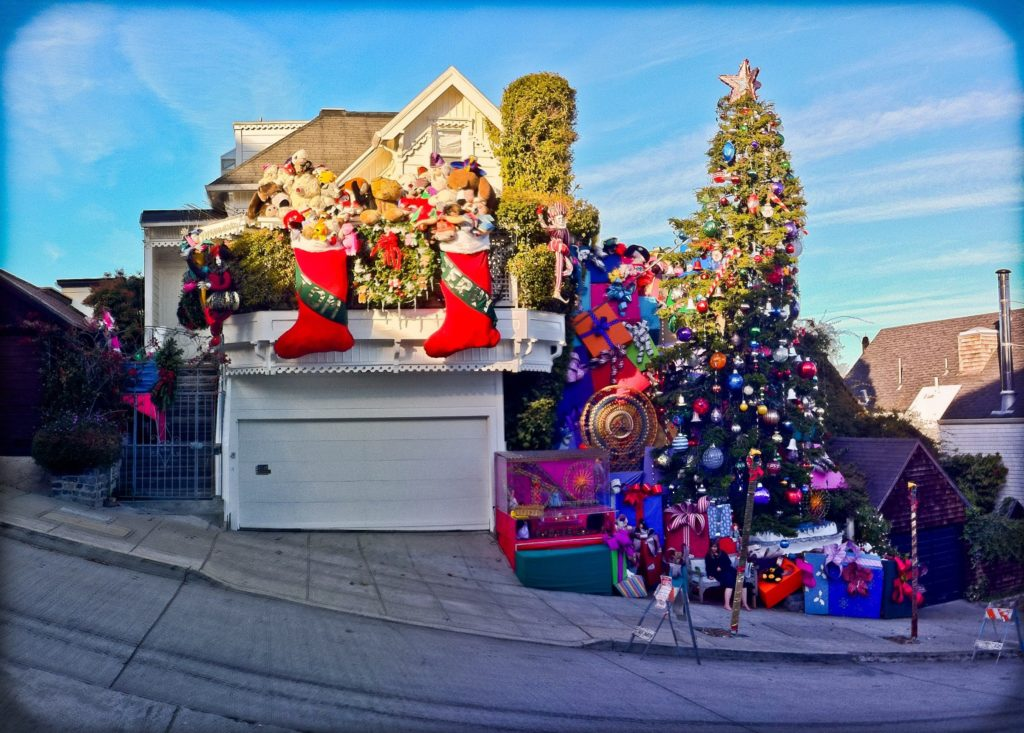 COURTESY TOM TAYLOR AND JEROME GOLDSTEINTom and Jerry's Christmas Tree on 21st Street has dazzled neighbors and visitors for years.