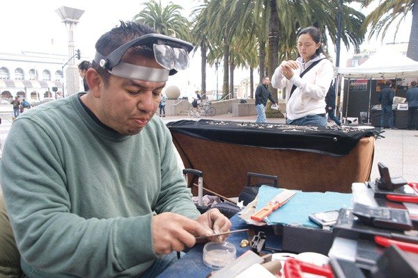 Mike Koozmin/The S.F. ExaminerCriticism: A civil grand jury recommended changes to the Arts Commission's Street Artist Program