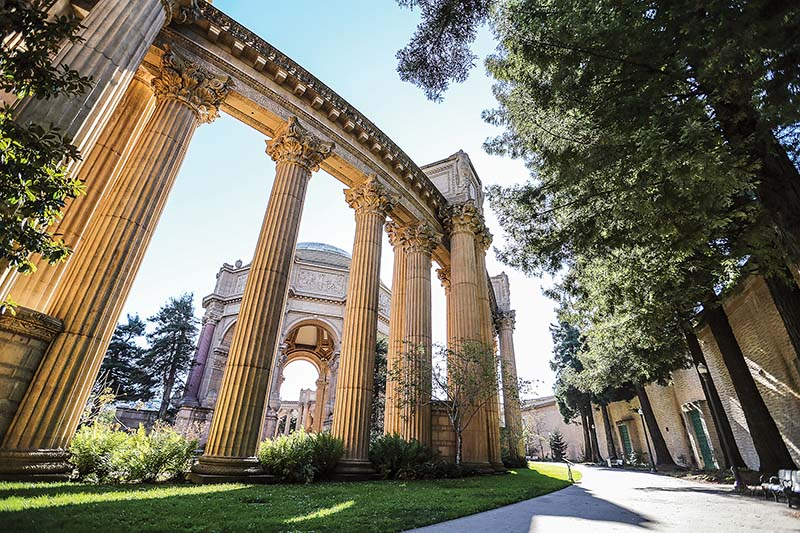 Some San Francisco residents want the Palace of Fine Arts to remain an educational and cultural spot rather than a commercial one with hotels and restaurants. (Mike Koozmin/S.F. Examiner)
