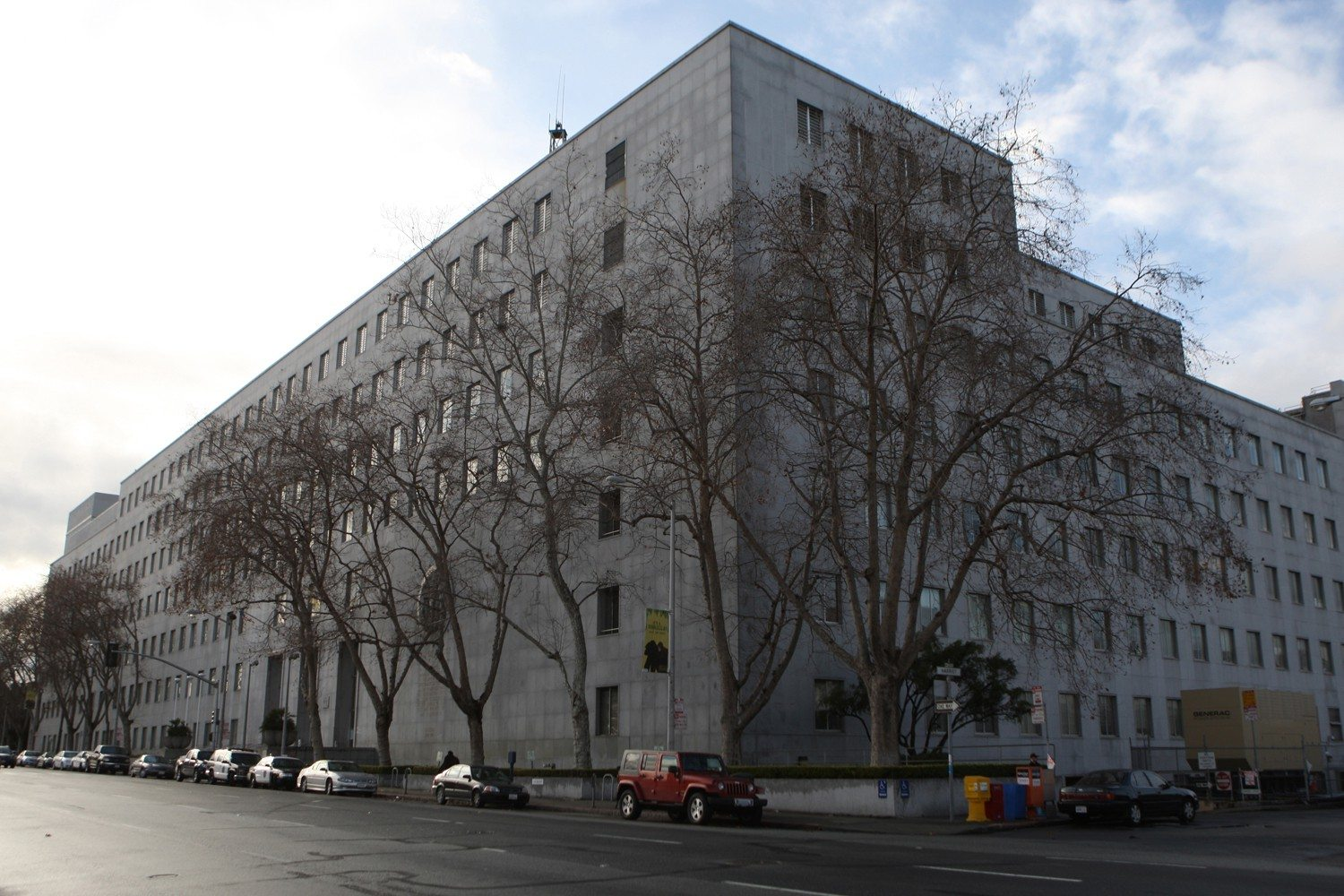 Hall of Justice in San Francisco. (Cindy Chew/2010 S.F. Examiner file photo)