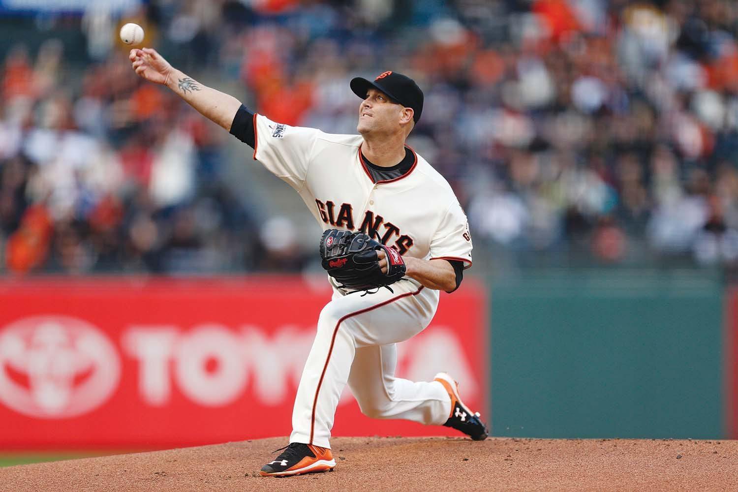 Beck Diefenbach/APGiants starter Tim Hudson continued the team's strong starting pitching in the early season