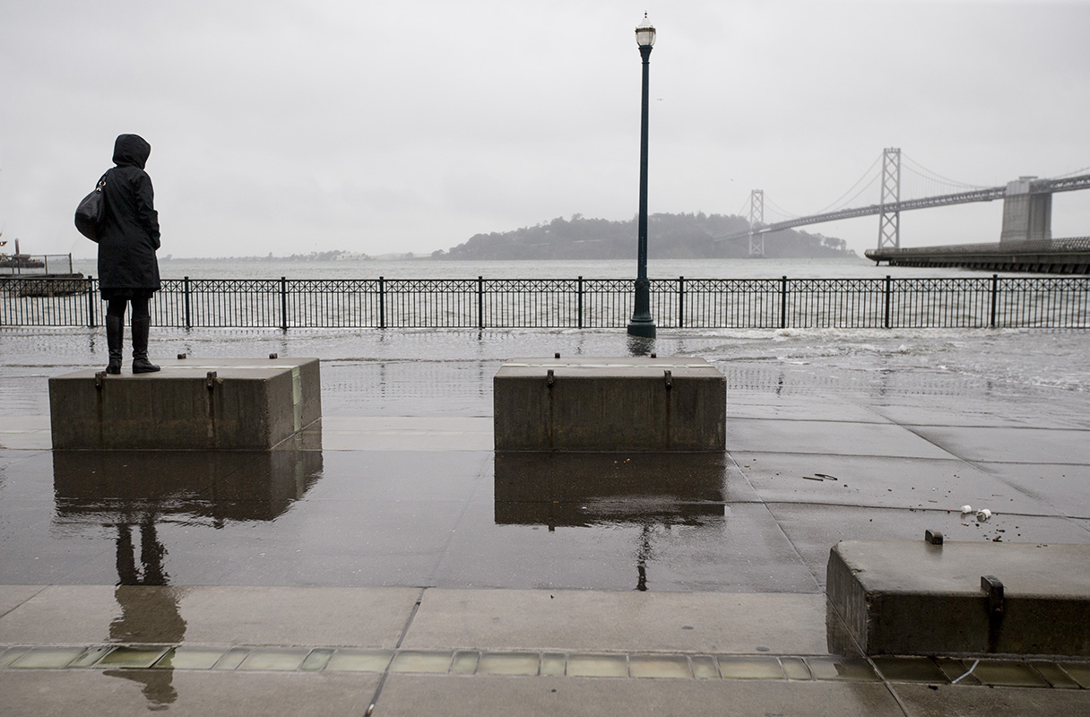 Beachgoers beware: 'King tides' flood warning extended through Christmas Eve