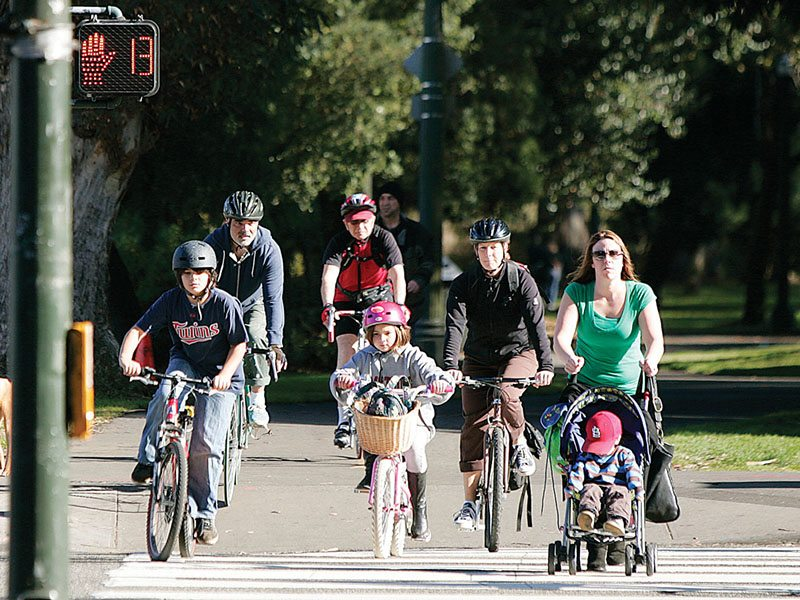 The SFUSD encourages families to travel to school via alternatives, like biking, and plans to provide storage on campuses. (mike koozmin/s.f. examiner)