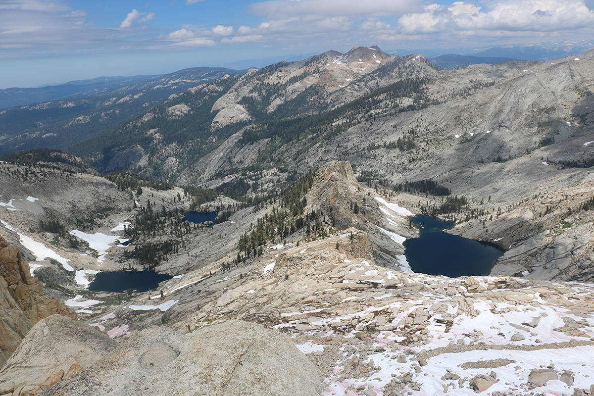Day hikes among the giants of Sequoia National Park