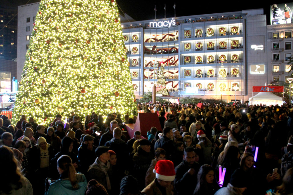 Macy's kicks off the holidays with 30th annual Union Square tree lighting
