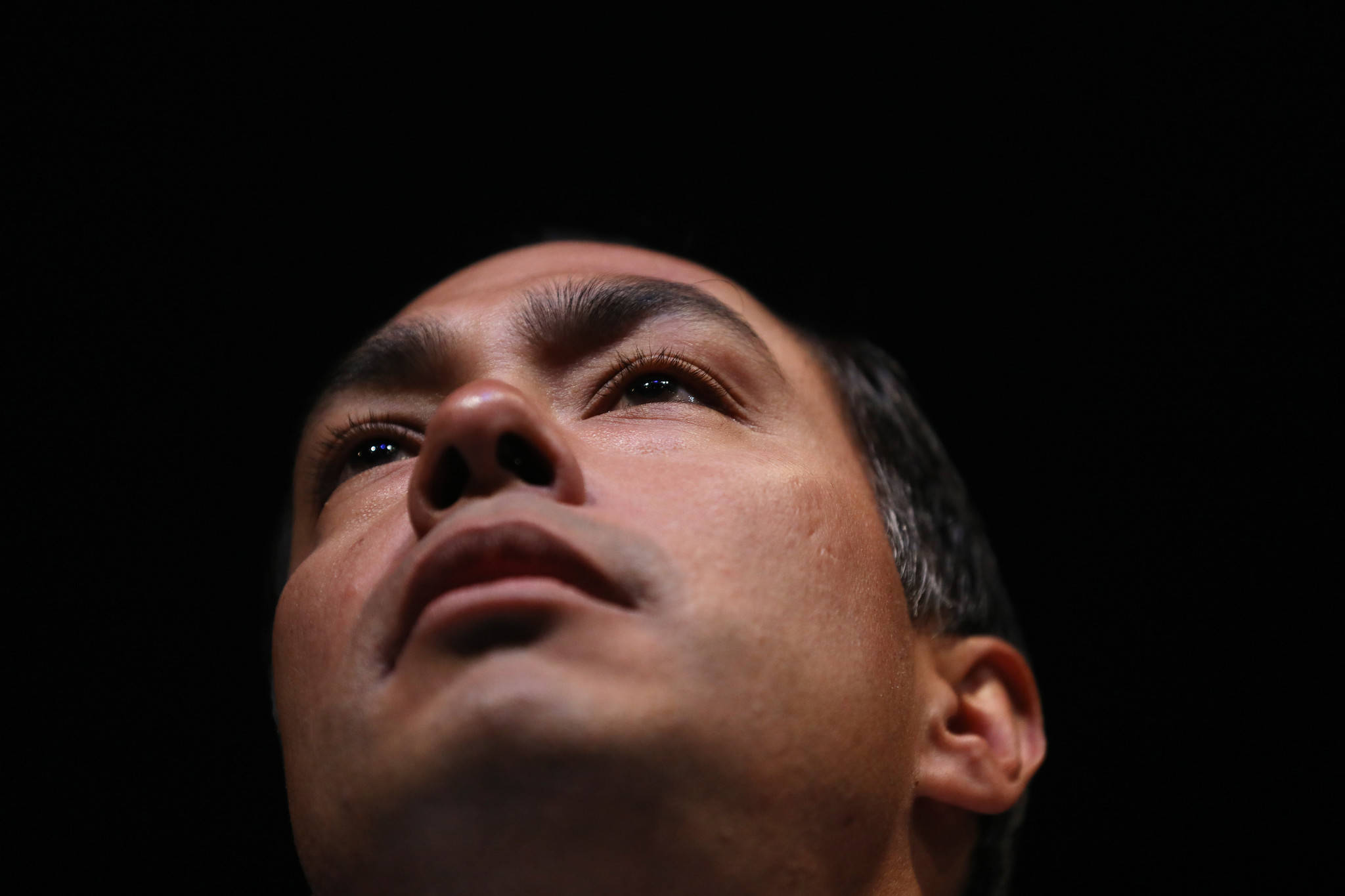 2020 Democratic presidential candidate Julian Castro speaks during the Iowa Democratic Wing Ding fundraising dinner on Aug. 9, 2019, in Clear Lake, Iowa. (John J. Kim / Chicago Tribune)