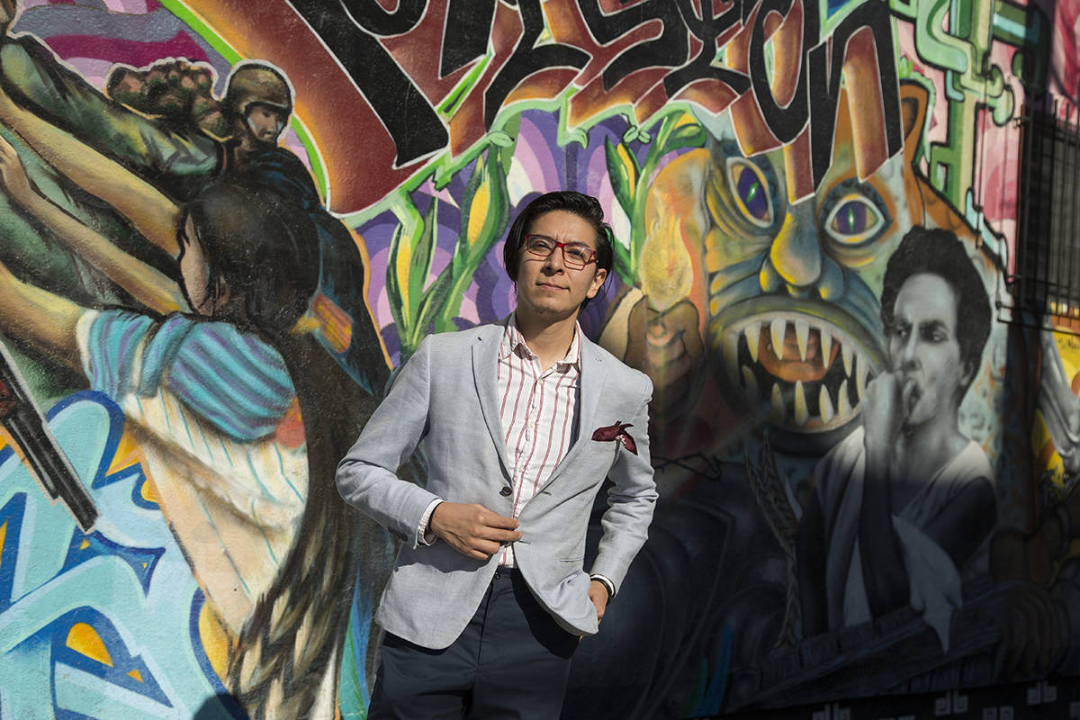 Arturo Mendez, co-curator of the Mission Arts Performance Project, invites artists of all types to participate in the free-wheeling community program. <ins>(Kevin N. Hume/S.F. Examiner)</ins>