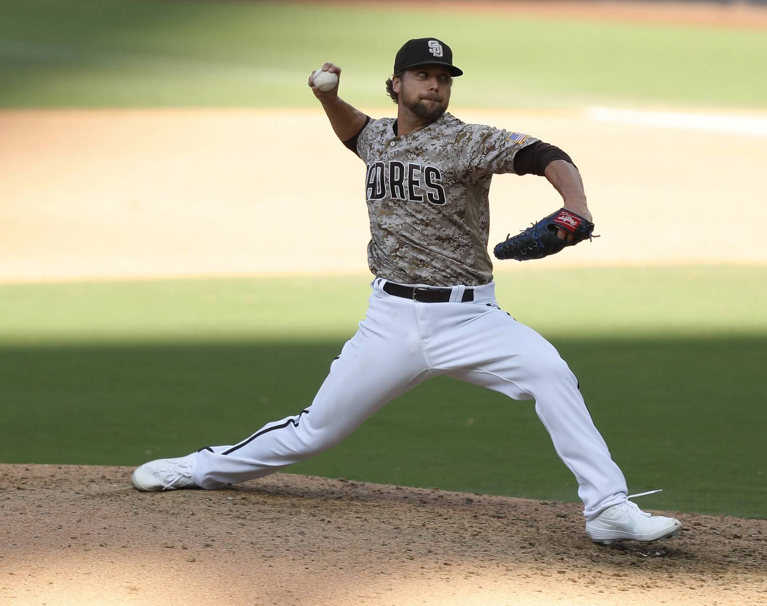 Trevor Rosenthal of the San Diego Padres pitches against the Seattle Mariners at Petco Park on Sunday, Sept.20, 2020 in San Diego, CA. (K.C. Alfred / The San Diego Union-Tribune)