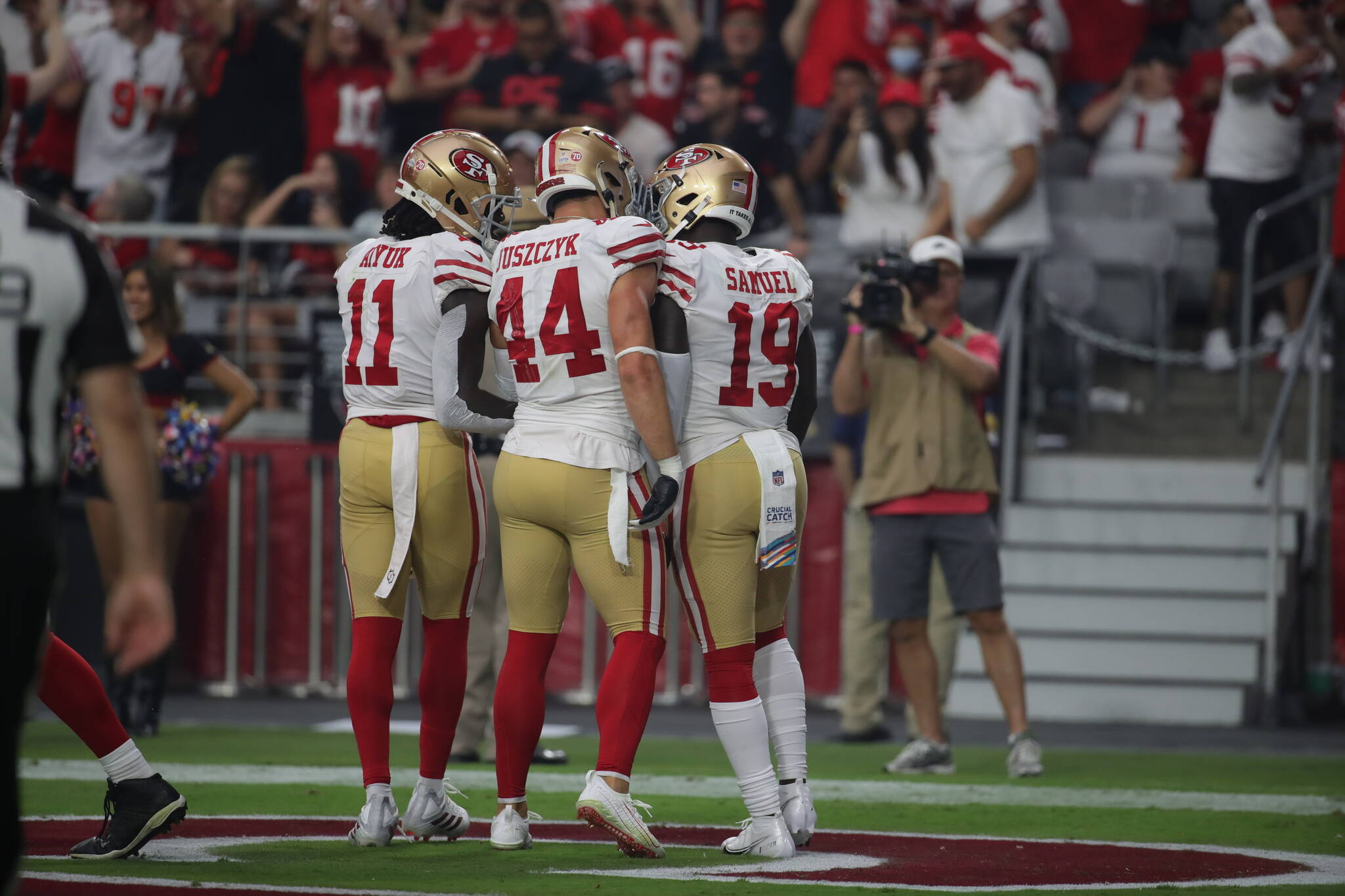 The 49ers lost a tough game at Arizona Sunday, 17-10, but San Francisco saw a good amount of teamwork develop.<ins> (Courtesy San Francisco49ers)</ins>